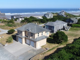 NEW LISTING - Oceanview Luxury Home with Stunning Views