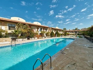2b Townhouse Pool Gardens - Dasoudi Beach C38