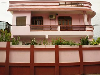 Independent room, ideal for yoga, rafting, located near river Ganges