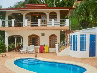 Casa de Laurel - Ocean View, Pool, 10min to the Beach and Dominical!