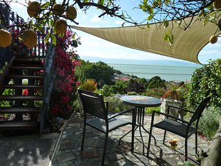 Brookland Seaview, Sea and mountain views from your room