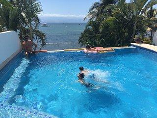 Casa Kaeli, Beautiful Beachfront Home, Large Infiniti Pool, Bucerias/LaCruz area