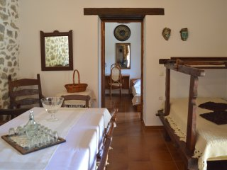 Newly Renovated Cottage next to Imvros Gorge
