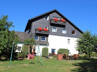 Apartment 1.1 km from the center of Hallenberg with Parking, Garden, Balcony