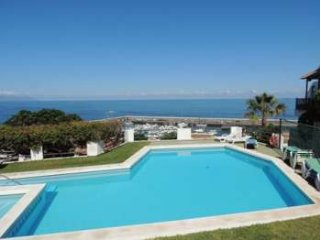 2 Bed Apartment with 180 Degree Sea and Cliff Views