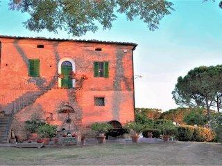 Casolare toscano con piscina privata nei pressi di Montepulciano e Cortona