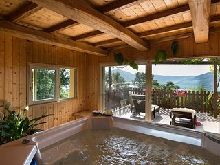 Cottage at Lake near Rome with stunning View, Jacuzzi, Pool to share