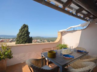 Cozy apartment in Begur with Washing machine, Terrace