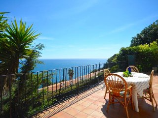 Cozy apartment in Begur with Parking, Internet, Washing machine, Air conditionin