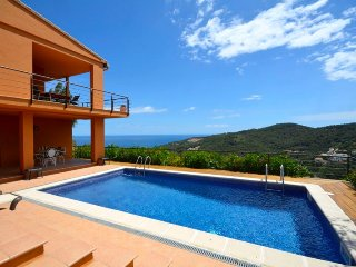 Cozy house in Sa Riera with Parking, Internet, Washing machine, Air conditioning