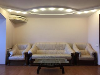 Apartment in the center of Dnepropetrovsk with Air conditioning, Lift, Parking