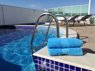 New Luxury 3 BR Apartment - Air-Conditioned, Pool, BBQ, Sauna, WiFi & Transfer