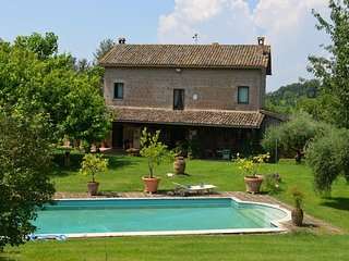 Country cottage in a farm surrounded by nature between Sabina and Umbria