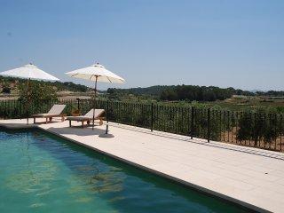Espectacular casa con barbacoa y piscina