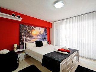 Athens PLaza Luxurys  Aparaments --boutigue studio