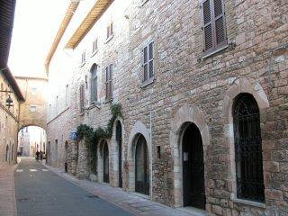 ATTICO vicino alla Basilica di San Francesco (per 4/7 persone)