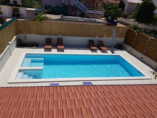 APARTMENTS VRKIC VIR ISLAND sleeps 7