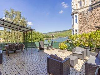 Ferienwohnung Apartment mit Moselblick in Bernkastel, Terrasse, Wifi, Parken