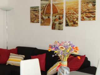 Modern & Neat Flat at Tram stop -- free public parking,terrace,WIFI and A/C.
