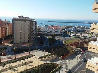 Apartamento amueblado, 8º exterior 1 dormitorio vistas al mar