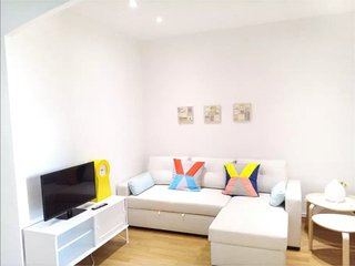 Nice Apartment. Close to the sea, 15 mins to city center. King size bed
