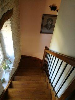 Escalier depuis chambres