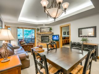 Incredible Ground Floor Ski Condo, Close To Base Area