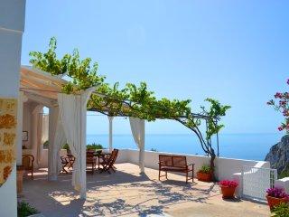 Villa Sonia a picco sul mare