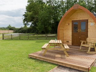 Bracken Burrows, Tommy PREMIER XL GLAMPING POD in the heart of East Yorkshire