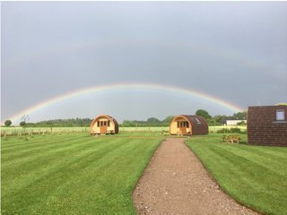Bracken Burrows, MUFFIN Royal Glamping Pod in the heart of East Yorkshire