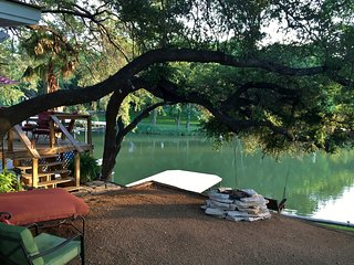 Waterfront Lake LBJ Cabin w/ Dock, Canoe & Bikes!