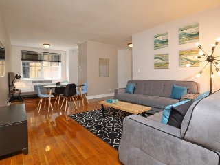 NOW!! HUGE STUDIO- PRIME MIDTOWN WEST (5160)