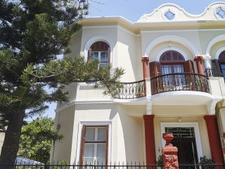 240 sq.m listed Art Deco villa, in Rhodes city center