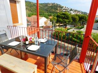 Apartamento de 2 habitaciones con piscina y parking en Mas Oliva, Roses