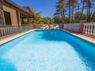 Catalunya Casas: Villa Gloriosa de Santa Coloma for 8 guests, 30 minutes to the