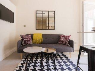 Joli studio avenue Jean Medecin, idéal pour visiter Nice