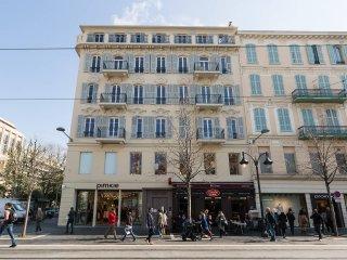 Joli studio avenue Jean Medecin, ideal pour visiter Nice