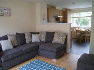 Newquay Retreat. Stylish two bedroom 4* refurbished villa close to Newquay
