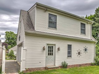 NEW! Cozy Fishkill Studio - Walk to Downtown!