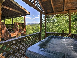NEW! 3BR Gatlinburg Cabin w/ Large Deck & Hot Tub!