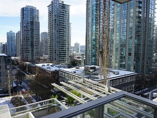 1 Bed Apt - Modern | Spacious | Yaletown | Pets Ok!