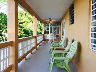 Casa Dos Chivos - 3-Bedroom Hillside House with Spectacular Ocean Views!