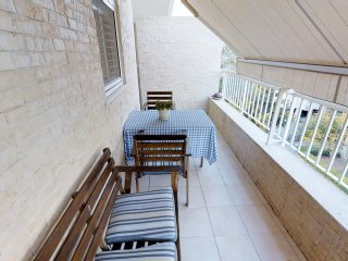 Raanana city center - 3BR with sun balcony -REF12