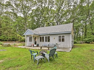 New! 2BR East Greenwich Cottage on a Half Acre!