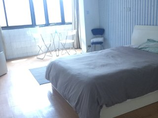 Large, private studio apartment in central Shanghai