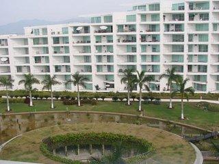 Vallarta Paradise ~ RA3574
