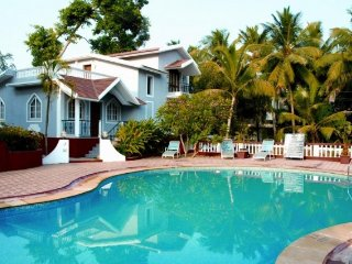 Tastefully furnished 3-bedroom pool villa, 2 km from Sinquerium beach