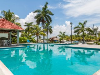 Mexican Lagoon House- Ideal Location Hotel Zone!