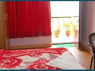 Well-appointed stay for a backpacker, near Kodaikanal Lake