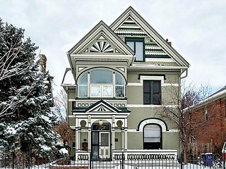 Stunning, Walkable 4BR Victorian in Baker, completely updated!